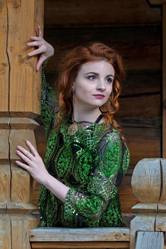 Bright-redhead-portrait